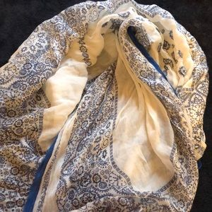 beautiful detail blue and white scarf